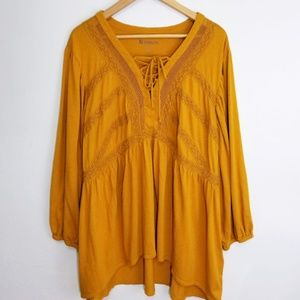 3/$30 Sale - Roaman's Boho Tunic with lace accents